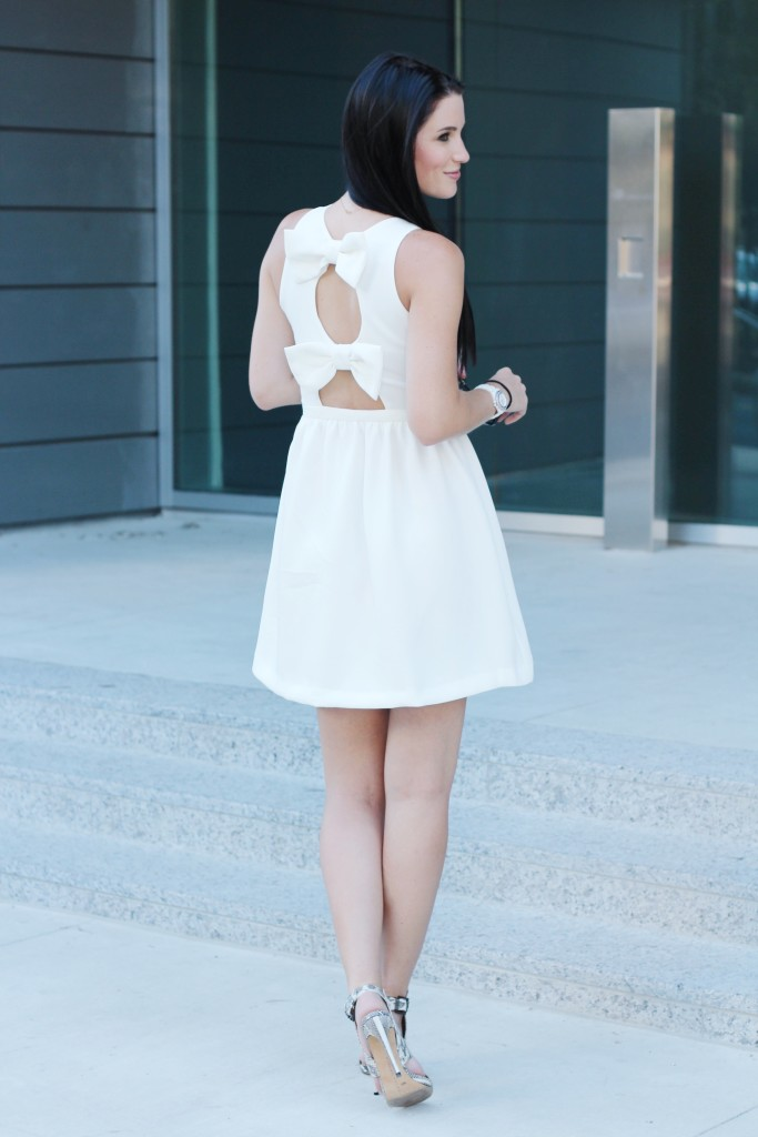 Little White Dress | how to style a white dress | how to wear a white dress | white dress style ideas | summer fashion tips | summer outfit ideas | summer style tips | what to wear for summer | warm weather fashion | fashion for summer | style tips for summer | outfit ideas for summer || Dressed to Kill