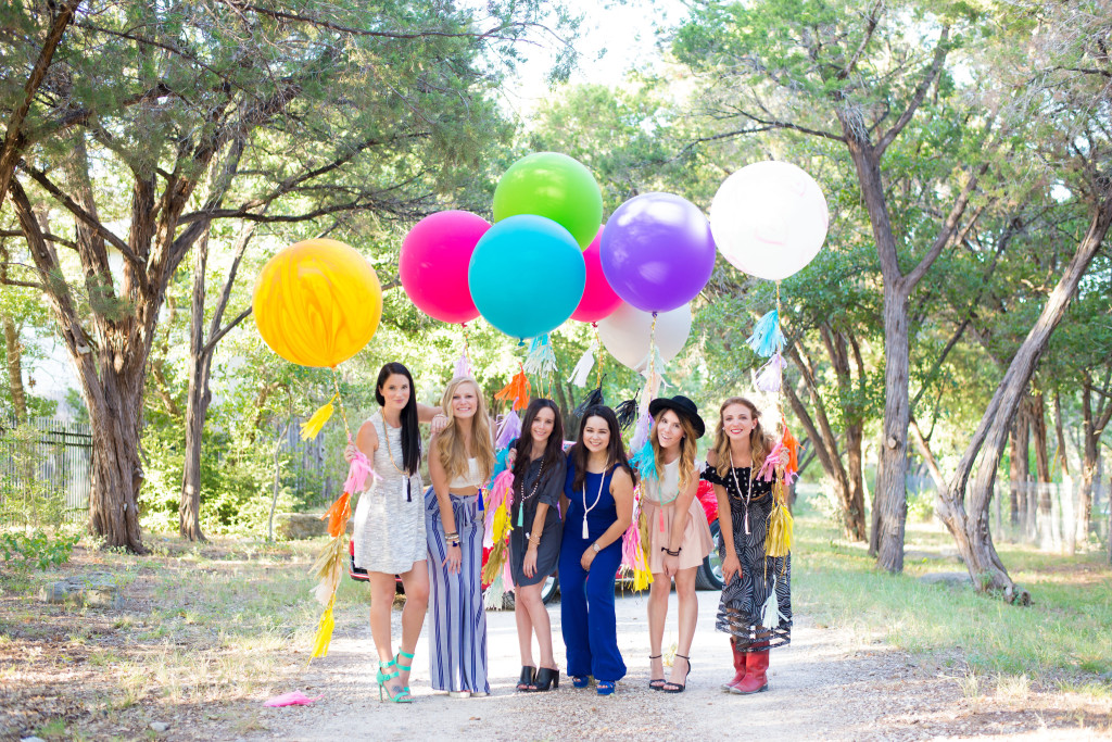 Beads & Balloons | summer fashion tips | summer outfit ideas | summer style tips | what to wear for summer | warm weather fashion | fashion for summer | style tips for summer | outfit ideas for summer || Dressed to Kill